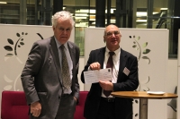 BAC President Sir Geoffrey Owen and winner Professor Richard Roberts